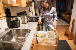 Composting food waste in the kitchen