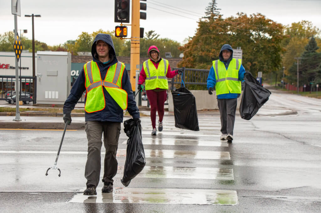 Volunteers clean up streets